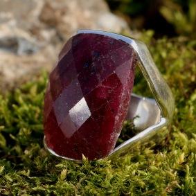 ring silver ruby